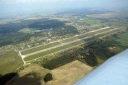 Letiště Boží Dar u Milovic. Letecký snímek.