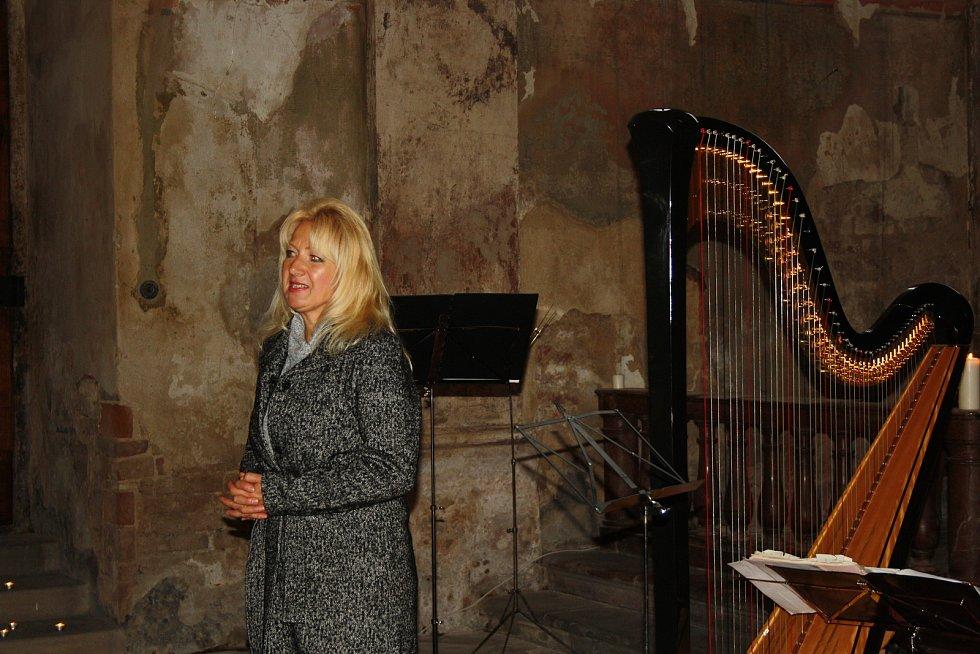 Kaple sv. Jana Nepomuckého v Nymburce zažila výjimečný koncert i bohoslužbu.