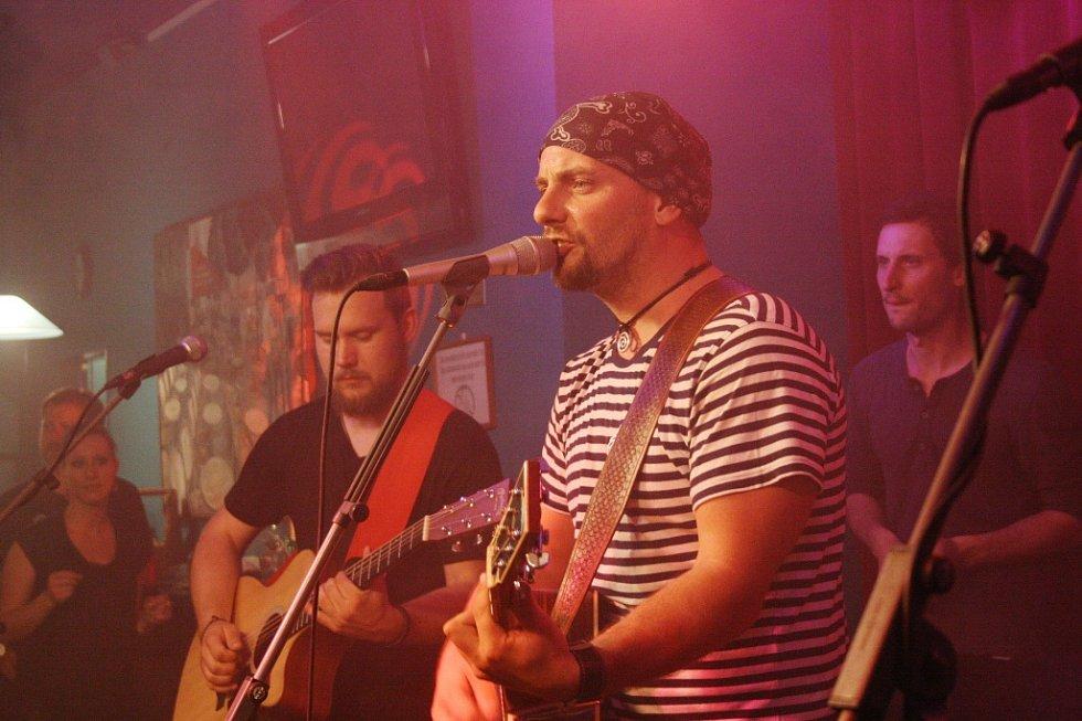 Křest nového CD kapely Crossband.