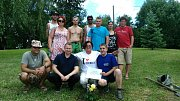 Parta šesti lidí z Jizbic u Náchoda přijela na návštěvu Jizbic u Nymburka.