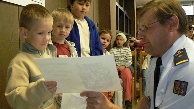 Hasiči předali ocenění soutěže Záchranáři 2010