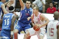 Z basketbalového utkání nejvyšší soutěže Nymburk - Ostrava (99:66)