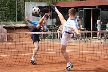 PORÁŽKY. V dalších dvou zápasech se extraligovým nohejbalistům Spartaku Čelákovice vůbec nedařilo. Celkem snadno prohráli s Modřicemi a následně se Šacungem Benešov