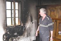 Po požáru v rodinném domě v Kolajích