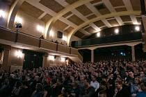 Z představení v kině Sokol v Nymburce.