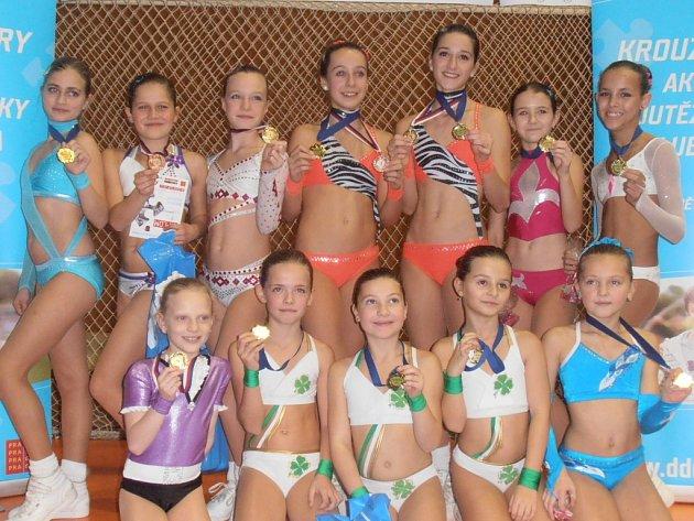 Dívky z oddílu poděbradského aerobiku