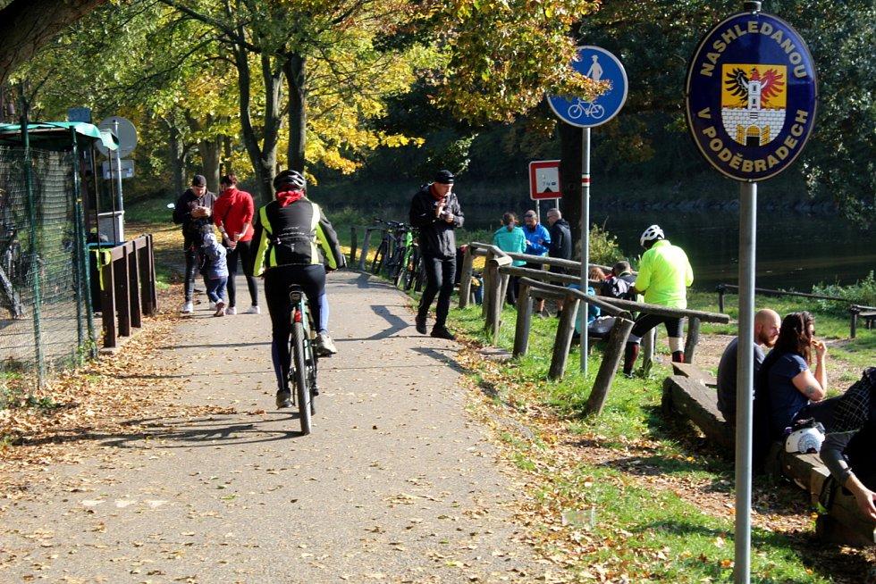 Soutok Labe s Cidlinou je oblíbeným místem na labské cyklostezce.