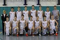 POPEROU SE O TITUL. Basketbalisté Nymburka kategorie U17 vyhráli základní část extraligy, nyní budou v domácím prostředí bojovat o post republikového šampiona.