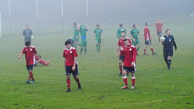 Z fotbalového utkání I.B třídy Semice - Ostrá B (2:1)