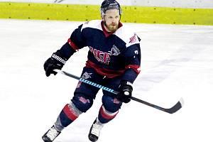 Posila. Hokejový útočník Jan Stehlík je v nové druholigové sezoně hráčem Kolína
