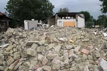 Na místě domu jsou dnes už jen ruiny