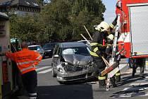 Hrůzostrašně vypadající nehoda v nymburské ulici Dr. Antonína Dvořáka.
