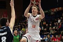 Z basketbalového utkání nadstavbové části NBL Nymburk - Děčín (87:65)