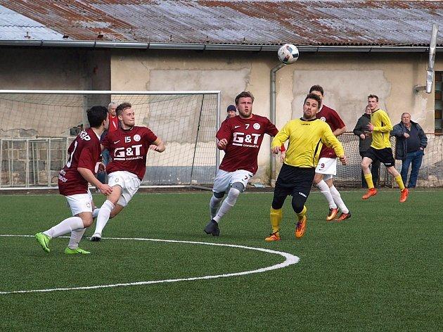 Fotbalisté Bohemie Poděbrady prolomili prokletí. Až na čtvrtý pokus dokázali porazit Záryby. Na své umělé trávě je zdolali 3:1.