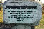 Památník k 100. výročí narození Bedřicha Hrozného v Lysé.