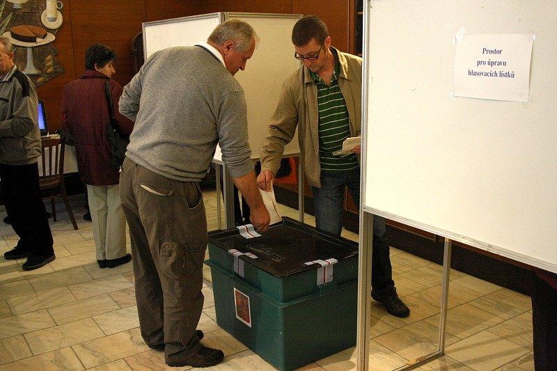 Volby v Poděbradech na hotelovce