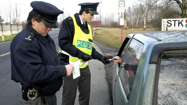 Policie při klasické kontrole