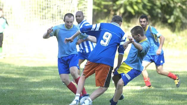 Fotbalové hřiště v Drahelicích