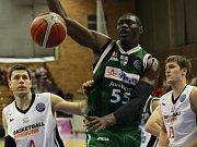 Z basketbalového utkání Ligy mistrů Nymburk - Avellino