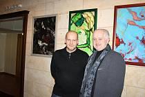 Z vernisáže výstavy obrazů Davida Ištóka v poděbradském divadle