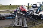 Nehoda dvou kamionů zablokovala u Jesenice Pražský okruh.