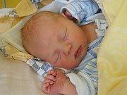 MATYÁŠ HONSA se narodil 1. března 2018 v 19.16 hodin s délkou 50 cm a váhou 3 900 g. Pro rodiče Zdeňka a Zuzanu i dvouletou sestřičku Rozálku z Velenky byl chlapeček milé překvapení.