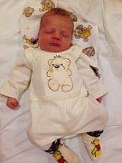 EMA RODIČE PŘEKVAPILA. EMA HELMICHOVÁ z Lysé nad Labem se narodila 10. července 2016 v 10.18 hodin. Vážila  3 200 g a měřila 49 cm. Emča se stala prvním dítětem rodičů Tomáše a Jitky a byla do poslední chvilky velkým překvapením.