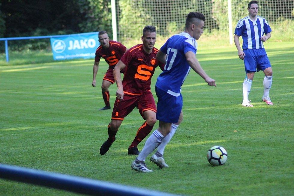 Z fotbalového utkání I.A třídy Slovan Poděbrady - Pšovka Mělník (4:1)