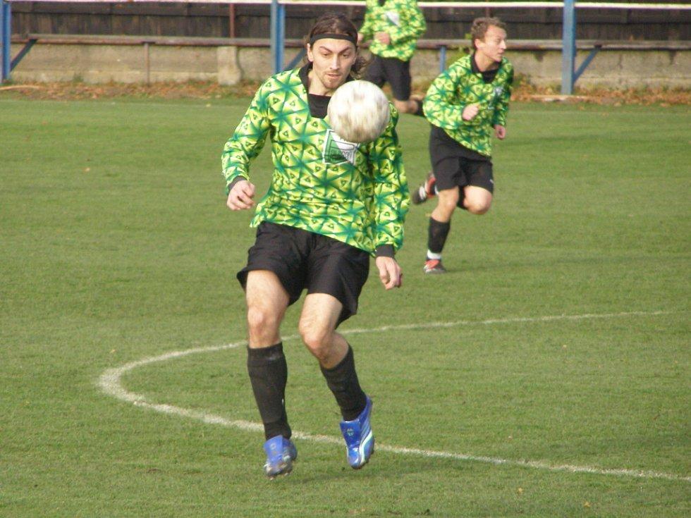Z okresního derby I.B třídy Polaban Nymburk B - Sadská (3:0)