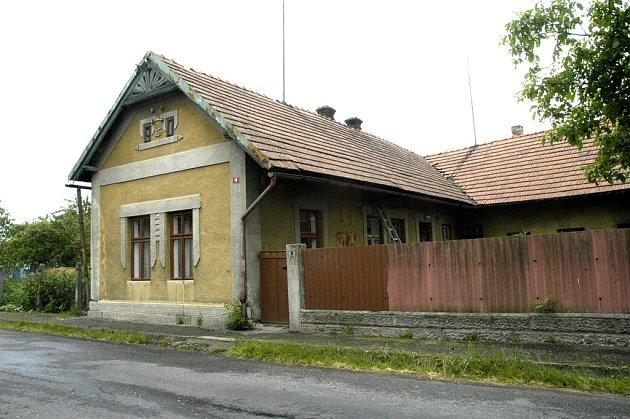 Místo činu. Dům, kde se brutální vražda stala.