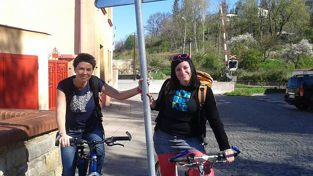 Terénní pracovnice mají v Milovicích k dispozici kola