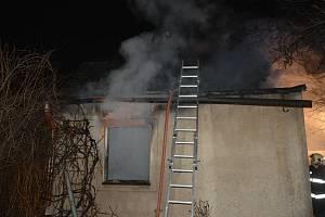 Požár domu v Jirnech způsobil téměř milionovou škodu.