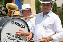 Jaroslav Trnka s Tanečním orchestrem TOX slaví 25 let.