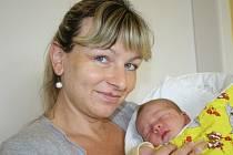 MATYÁŠ MĚŘIL PŮL METRU. Matyáš Steklý přišel na svět 23. června 2014 v 11.30 hodin. Vážil 3 540 g a měřil přesně 50 cm. Doma je v Lysé nad Labem s maminkou Lucií, tátou Jaroslavem, desetiletým bráchou Jaroslavem a čtrnáctiletou sestrou Kateřinou.