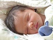 JAKUB ŠVANDA se narodil 8. března 2018 ve 12.21 hodin s délkou 51 cm a váhou 4 000 g. Z novorozeného se radují rodiče Adam a Marcela a tříletý bráška Adámek z Milovic.