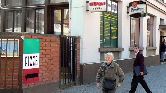 Herna Meetpoint na poděbradském Riegrově náměstí.