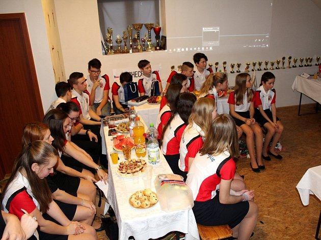 Oslava českých reprezentantek v hasičském sportu se konala v pátek v Pískové Lhotě.