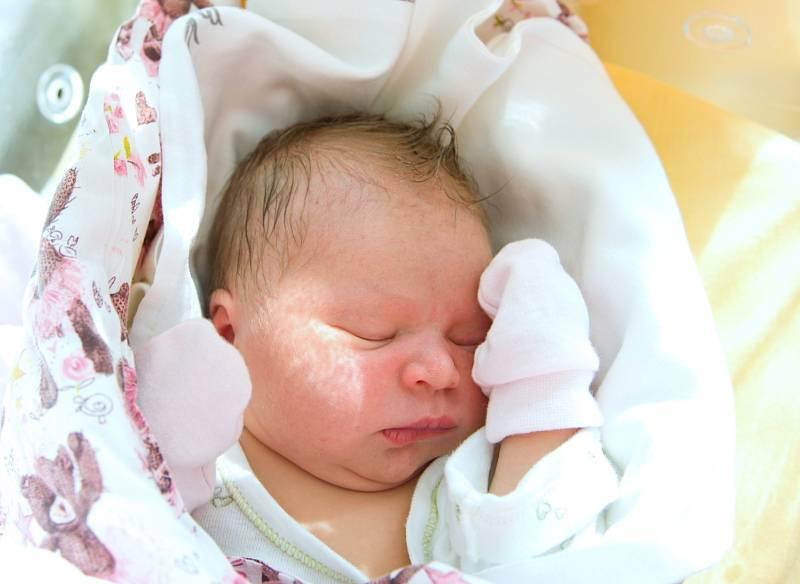 Nikola Patková z Kostomlat nad Labem se narodila v nymburské porodnici 12. září 2021 v 5.58 hodin s váhou 3470 g a mírou 49 cm. Domu prvorozená holčička pojede s maminkou Olgou a tatínkem Milanem.