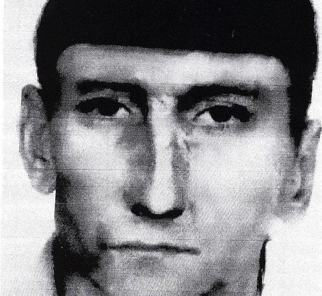 Policejní portrét zvrhlíka, který sexuálně obtěžoval sedadvacetiletou dívku v Poděbradech u nádraží.
