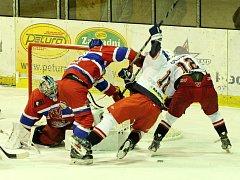Z hokejového utkání druhé ligy Nymburk - DS České Budějovice (5:1)