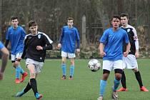 MLADŠÍ DOROSTENCI Bohemie Poděbrady dostali v Mnichově Hradišti pět gólů