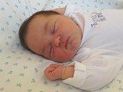 IZABELA MACHÁČKOVÁ se narodila 19. dubna 2018 v 8.25 hodin s délkou 48 cm a váhou 3 560 g. Rodiče David a Kristýna už se na prvorozenou holčičku moc těšili. Rodinka bydlí ve Chvalovicích.
