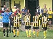 PŘÍZEŇ FANOUŠKŮ. V Litoli chodily na divizní zápasy stovky diváků, kteří své miláčky hnali vpřed.