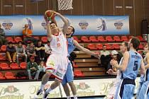 Z basketbalového utkání Mattoni NBL Nymburk - Prostějov (102:56)
