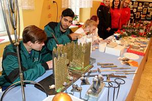 Vánoční výstava je otevřena v městecké škole pro veřejnost až do čtvrtka.