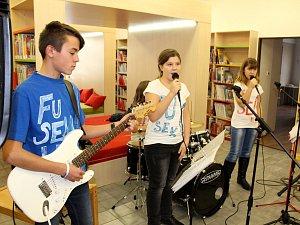 Slavnostní otevření dětského a hudebního oddělení po týdenní rekonstrukci se konalo ve čtvrtek odpoledne.