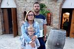 Fotbalový trenér Jan Hovorka s manželkou Ivetou a synem Jakubem