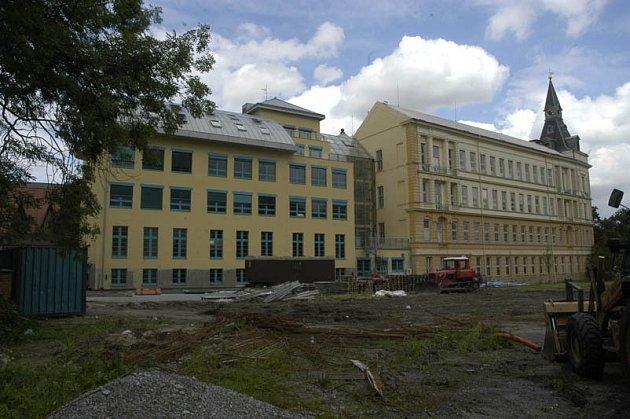 Budou žáci Tyršovy základní školy v Nymburce obědvat od září v nové jídelně?