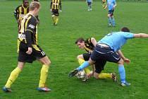 Z divizního fotbalového utkání Litol - Úvaly (2:1)