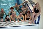 Se seniory v regionech plave také patronka projektu Lucie Leichová.